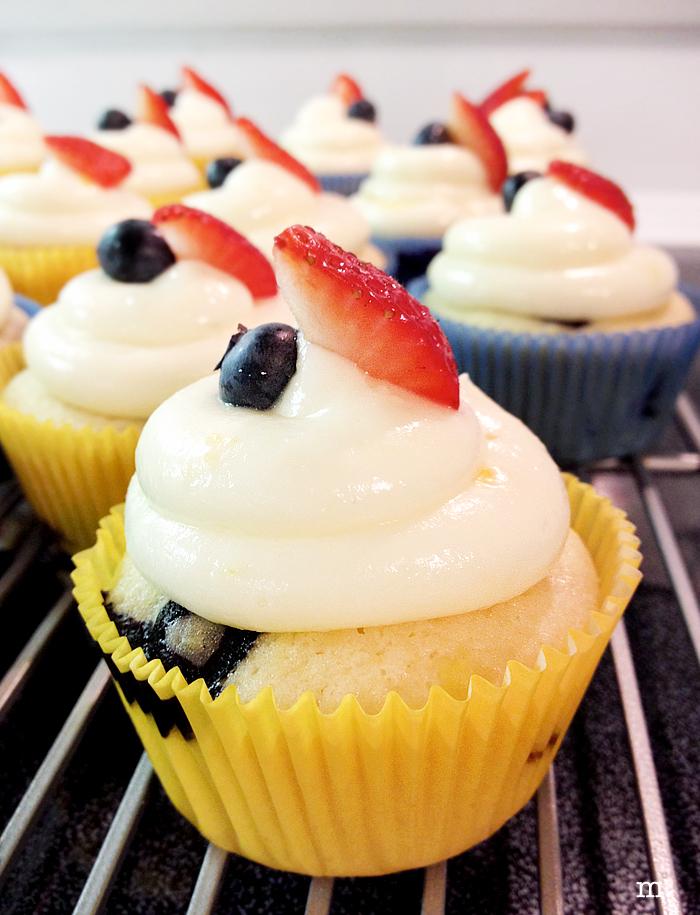 Lemon-Blueberry-Cupcakes3