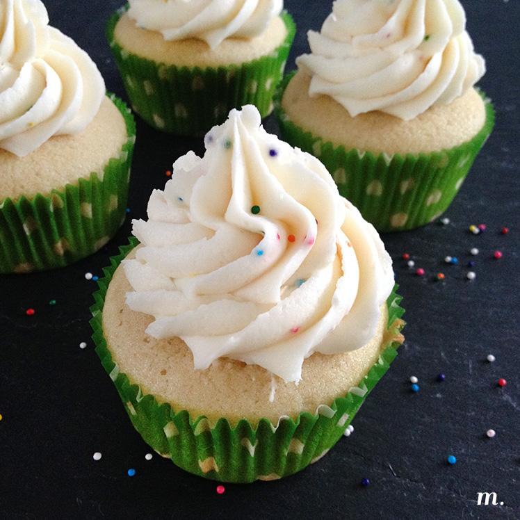 Vanilla_Cupcakes1